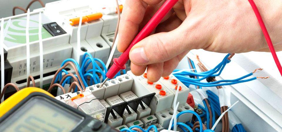 Servicio de instalaciones eléctricas en electricistas Toledo,